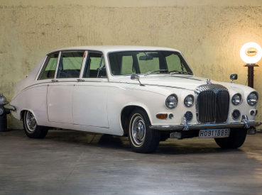 Daimler Limousine DS-420
