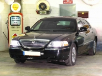 Town Car Lincoln Signature Limited